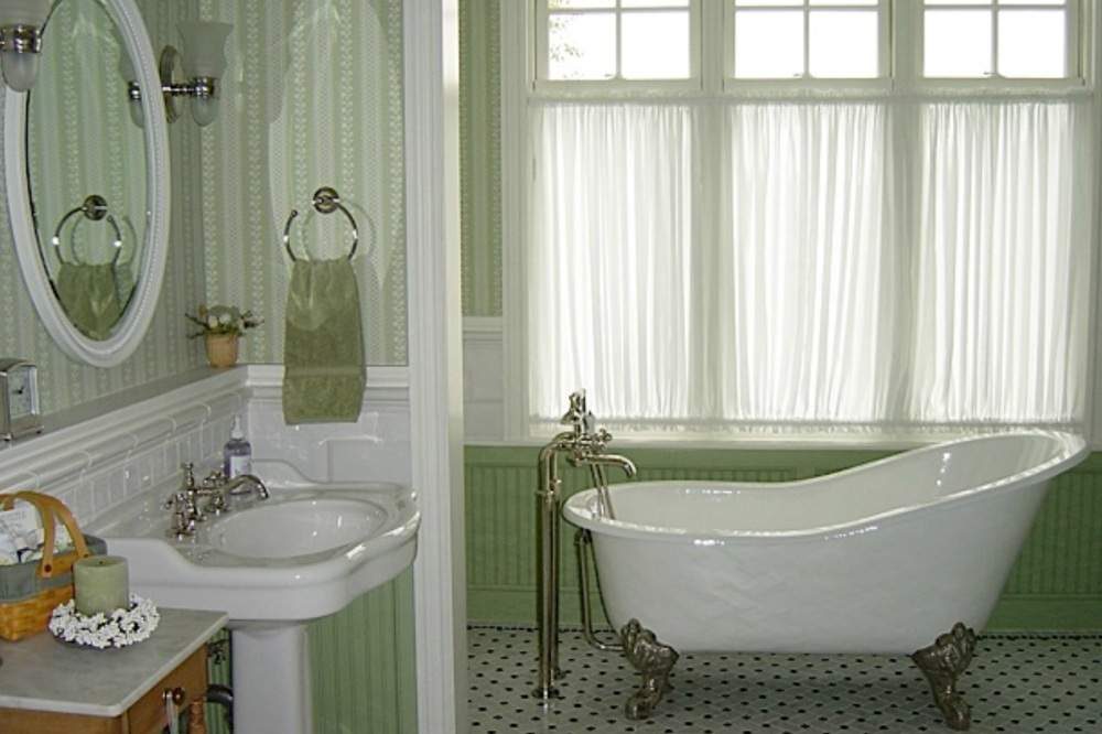 06 Nunn Bathtub 1000x666